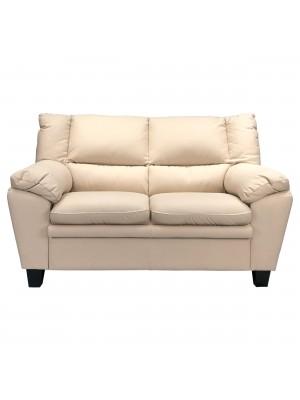 Vista frontale di un divano 2 posti imbottito e rivestito in ecopelle effetto nabuk beige Totò Piccinni