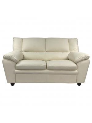 Vista frontale di un divano 2 posti imbottito e rivestito in ecopelle effetto nabuk light camel Totò Piccinni