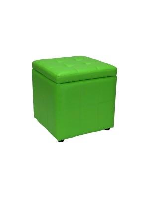 Vista diagonale di un pouf piccolo imbottito con contentitore in ecopelle verde chiuso Totò Piccinni