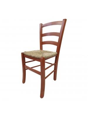 Vista diagonale di una sedia legno paesana Venezia artigianale colore Ciliegio Totò Piccinni