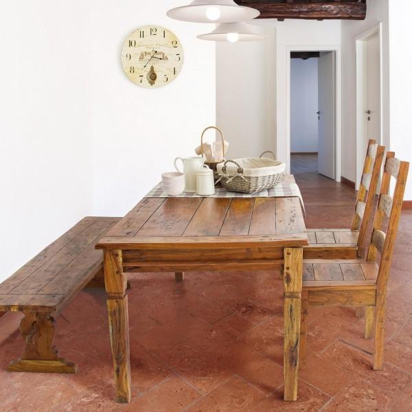 Salotto rustico arredato con sedia in legno d'acacia proveniente dall'india chateux bizzotto